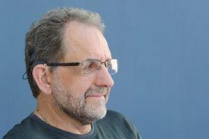 Tinnitus: Jürgen Richter mit seinem Cochlea-Implantat